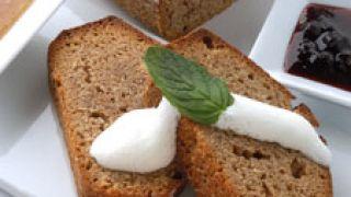Pan de centeno, almendras y miel