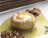 Nido de patata con champis y huevo