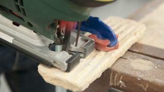 Revestir macetas con piedra artificial