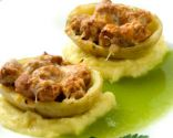 Patatas rellenas de salchicha