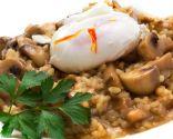 Risotto de champiñones con huevo