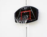 Cómo colocar una canasta de baloncesto en el patio
