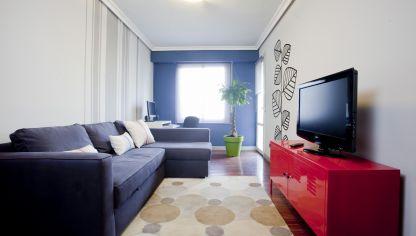 Decorar una sala peque a en color rosa decogarden for Como decorar un departamento chico con poca plata