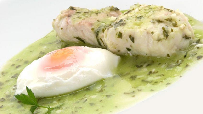 Receta merluza en salsa verde karlos argui ano - Cocinar merluza en salsa ...