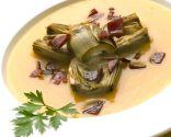Alcachofas con crema de calabaza y jamón