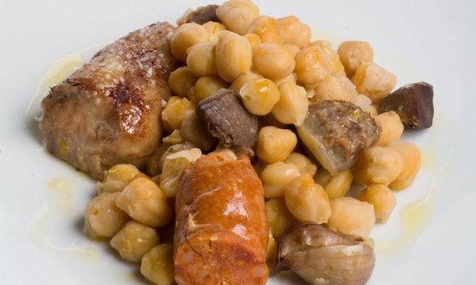 Receta de potaje de garbanzos con mollejas bruno oteiza - Potaje de garbanzos y judias ...