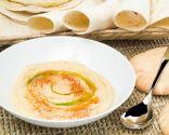 Hummus con pan árabe