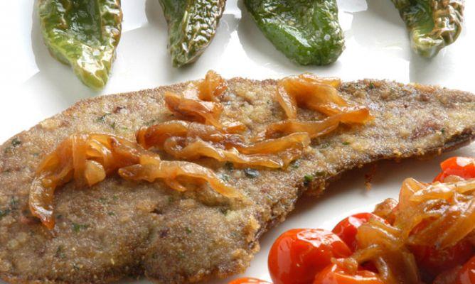Receta de h gado de ternera con pimientos verdes fritos for Cocinar higado de ternera