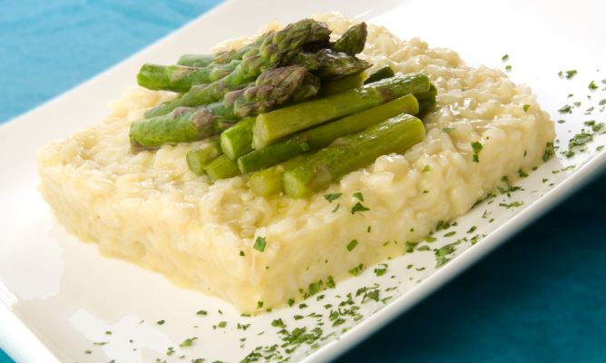 Receta de risotto de esp rragos verdes ram n roteta - Comidas con esparragos ...