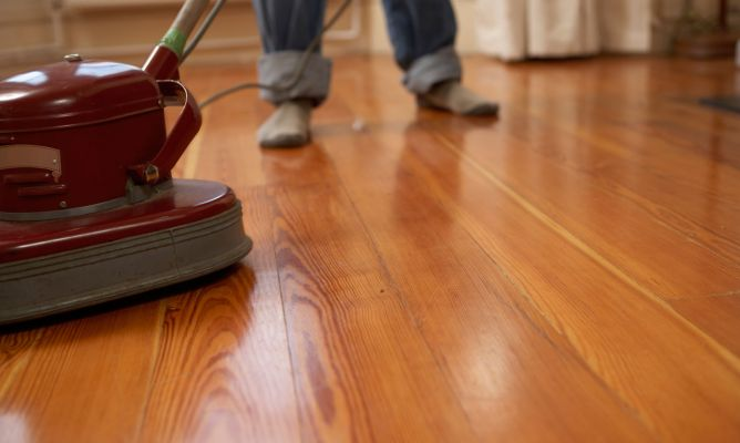 C mo abrillantar un suelo de madera hogarmania - Como poner un suelo de madera ...