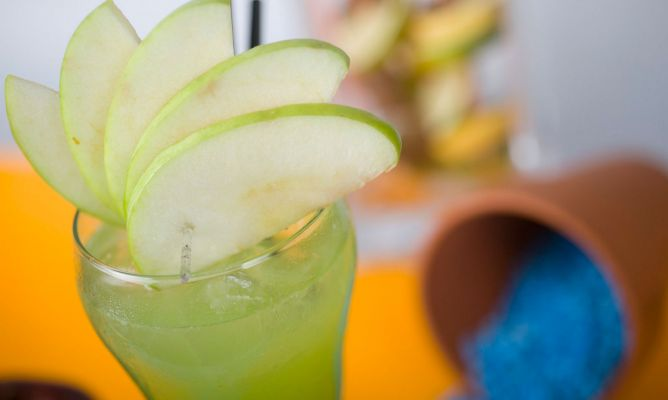 Receta de Cóctel Apple not geiser (con alcohol)