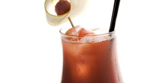 Receta de dry martini con alcohol hogarmania for Coctel bloody mary