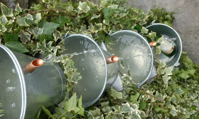 Fuente escalonada bricoman a for Fuentes de jardin caseras