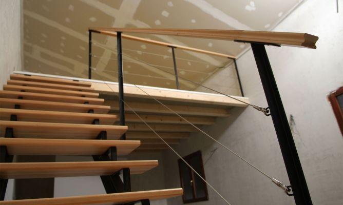 Barandilla quitamiedos bricoman a for Como construir una escalera metalica