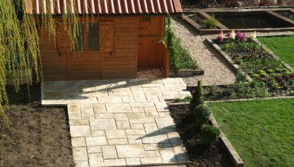 Colocar y fijar losa de piedra en el suelo bricoman a - Suelos para jardines pequenos ...