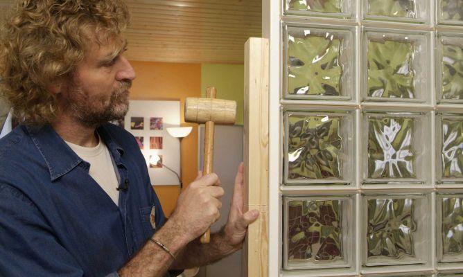 Muro de vidrio o pav s bricoman a - Como colocar ladrillos de vidrio ...