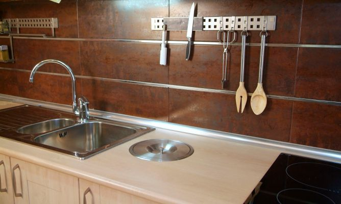 Azulejar antepecho de cocina bricoman a - Tapar azulejos cocina ...