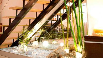 Rinc n interior zen bricoman a for Escaleras de madera sencillas