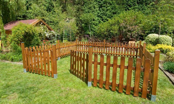 Cercado de madera hogarmania for Como hacer una valla con palets