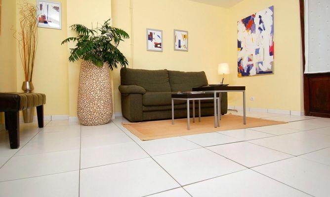 suelo porcel nico sin obra bricoman a On colocar suelo porcelanico