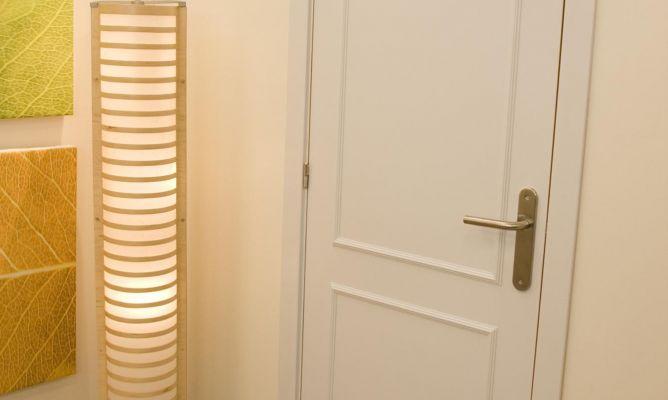 Decorar puerta con molduras bricoman a - Decoracion puertas blancas ...