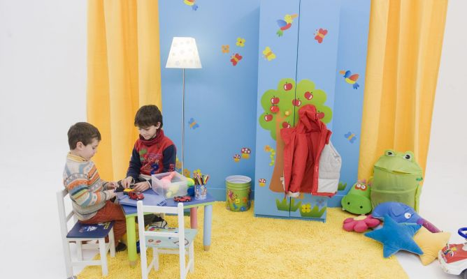 Armario con decoraci n infantil bricoman a - Programas de decoracion ...