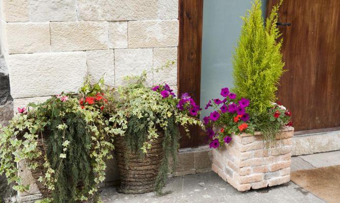 Revestir macetas bricoman a - Macetas de piedra para jardin ...