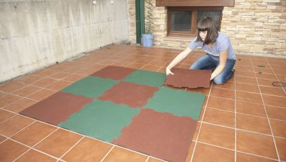 Revestir suelo con gres sin obra bricoman a for Suelos para jardin sin obra