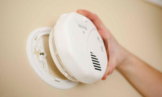 Instalar detector de humos bricoman a - Detector de humos ...