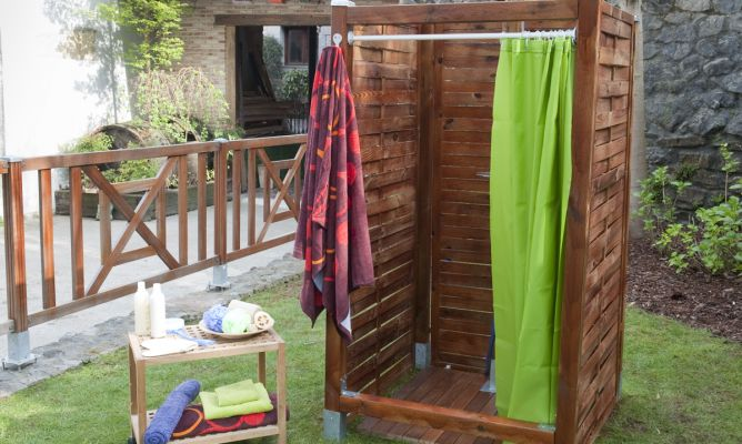 Cerramiento de ducha exterior bricoman a for Ducha exterior piscina