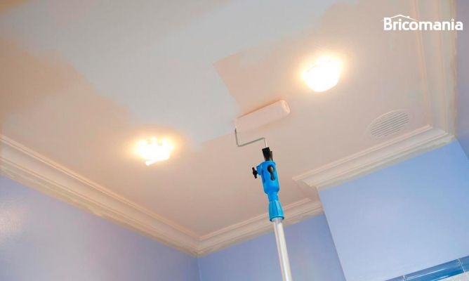 Pintar techo de ba o bricoman a - Como pintar paredes y techos ...