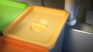 Adaptar papelera de reciclaje - Paso 2