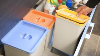 Adaptar papelera de reciclaje - Paso 8
