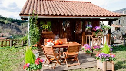 Decorar una p rgola de madera decogarden for Casas decoradas x fuera