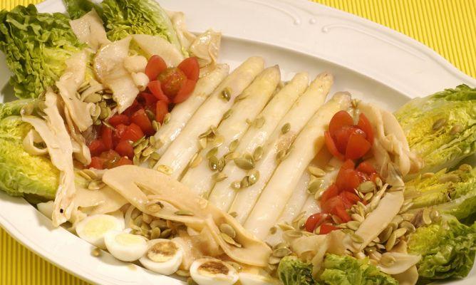 Receta de ensalada de cogollos y esp rragos blancos - Comidas con esparragos ...