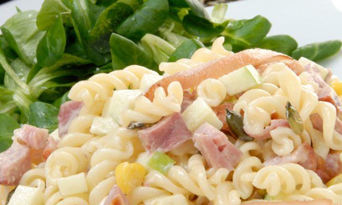 Receta de ensalada de pasta y codillo con frutos secos - Ensalada fresca de pasta ...