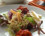 Ensalada de pasta, queso y sardina vieja