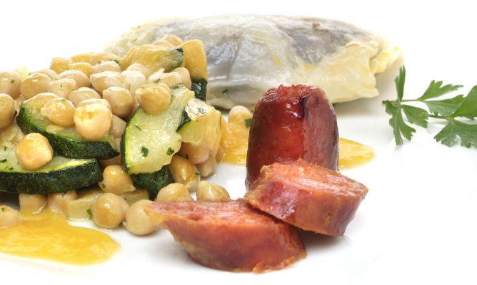 Receta de garbanzos con lombarda y chorizo asado eva for Cocinar garbanzos con chorizo