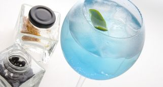 Gin tonic azul (con alcohol)