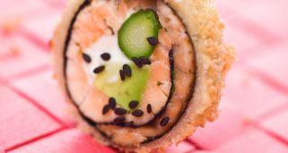 Hot roll de salmón