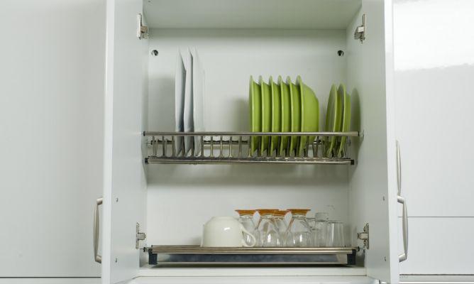 Colocar un escurreplatos bricoman a for Como colgar muebles de cocina