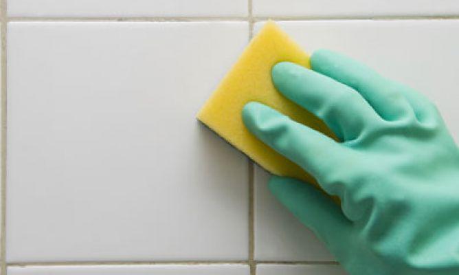 Soluciones para limpiar manchas de humedad hogarmania - Limpiar moho bano ...