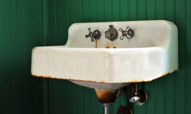 Limpiar manchas de xido hogarmania for Quitar manchas marmol lavabo