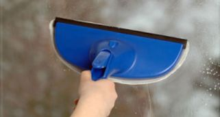 C mo limpiar las ventanas hogarmania - Como limpiar los vidrios ...