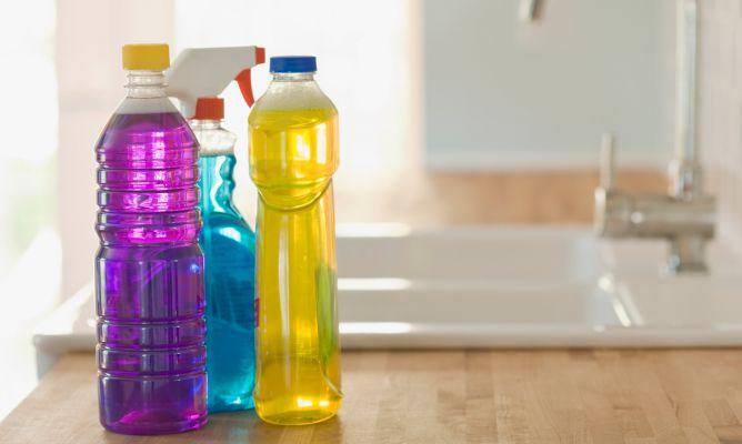 Precauci n con los productos de limpieza hogarmania - Robot que limpia el piso ...