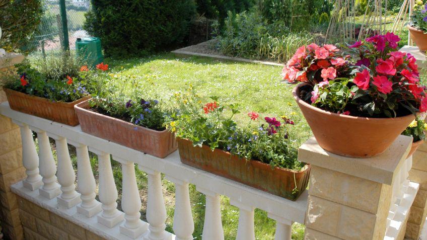 Puesta A Punto De Las Flores Del Balcon Decogarden - Fotos-de-balcones-con-flores