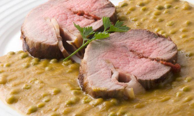 Receta de redondo relleno en salsa karlos argui ano - Redondo relleno de ternera al horno ...