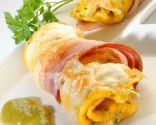 Rollitos de tortilla con queso y panceta