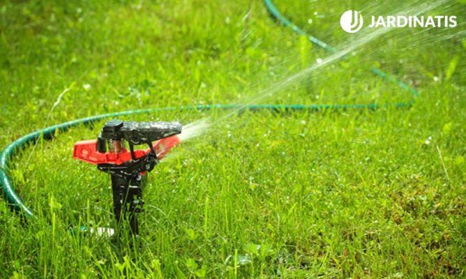 Riego autom tico para jardines bricoman a for Aspersores de agua para jardin