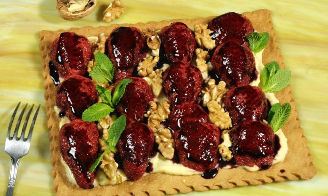 Resultat d'imatges de tarta de fresas y nueces